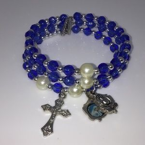 Jewelry - Vintage Blue Bead Memory Wire Christian Bracelet